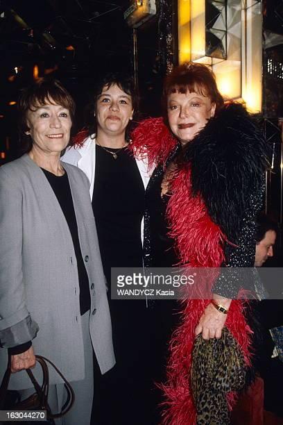 Evening In Honor Of Frederic Botton At Regine'S. Annie GIRARDOT, sa fille Giulia SALVATORI et REGINE..