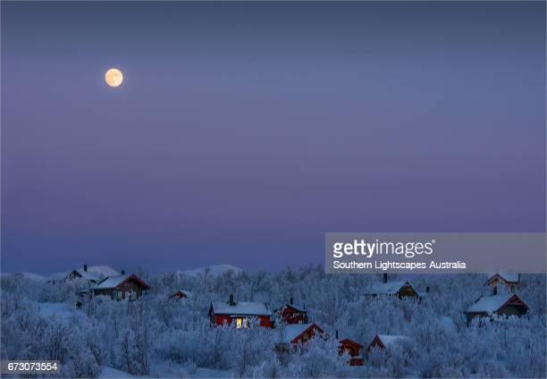 evening light at bjorkliden, lapland, sweden. - swedish lapland stock photos and pictures