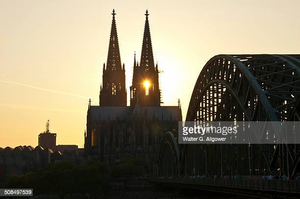 Evening mood, Cologne Cathedral and Hohenzollernbrucke bridge, Cologne, North Rhine-Westphalia, Germany, Europe, PublicGround