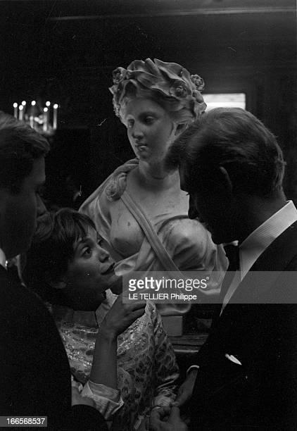 Evening Paul Louis Weiller Le 18 juin 1960 les artistes invités de l'industriel financier et mécène PaulLouis Weiller lors d'une soirée son fils...