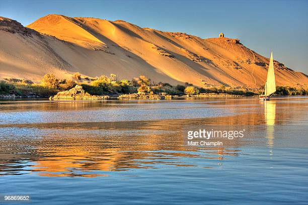 evening sail on a felucca - egypt stock pictures, royalty-free photos & images