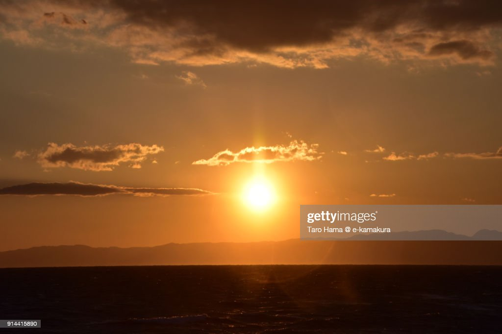 Evening sun and red-colored clouds on Izu Peninsula and Sagami Bay in Kanagawa prefecture in Japan : Stock-Foto