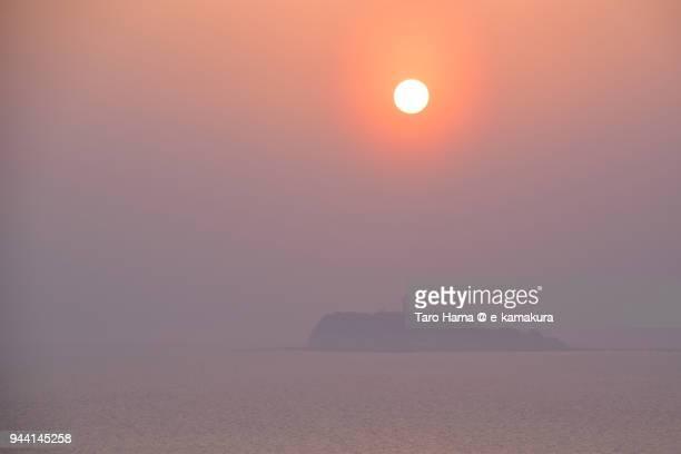 evening sun on enoshima island in fujisawa city and sagami bay, northern pacific ocean in japan - zushi kanagawa stock photos and pictures