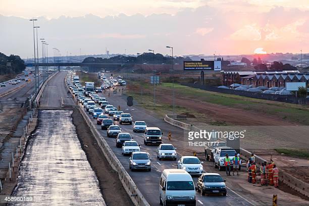 Soir trafic de Johannesburg de l'Est