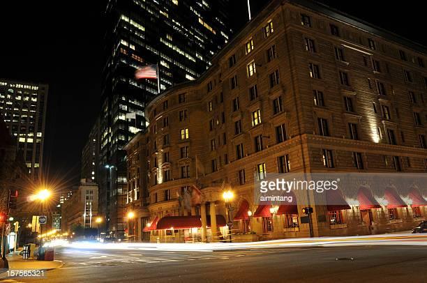 abend-verkehr in boston - copley square stock-fotos und bilder