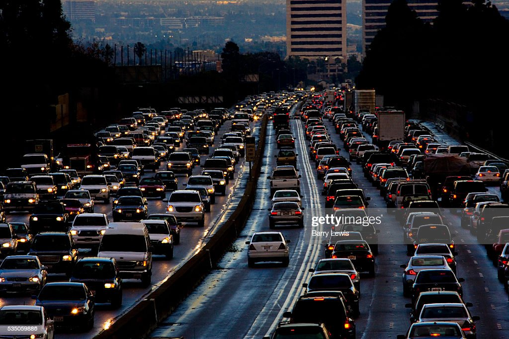 Evening traffic leaving Los Angeles on 405 freeway North at