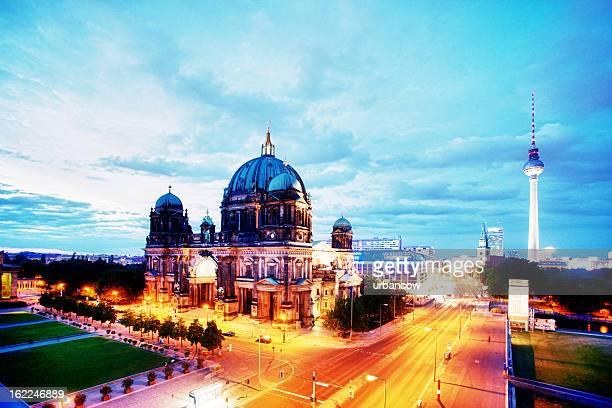 Abend-Blick auf den Berliner Dom