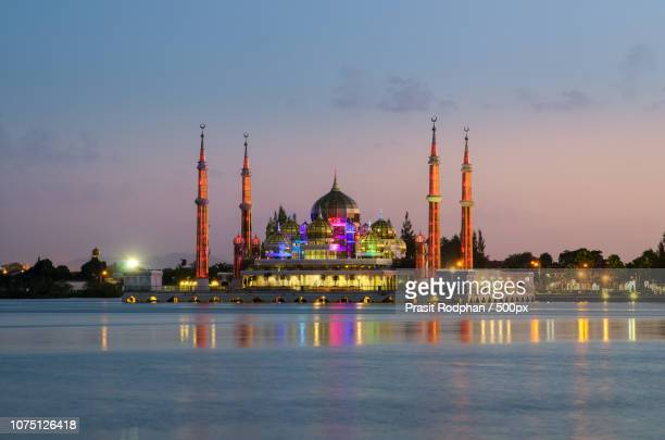 evening view of crystal mosque in kuala terengganu, malaysia - crystal mosque stock pictures, royalty-free photos & images