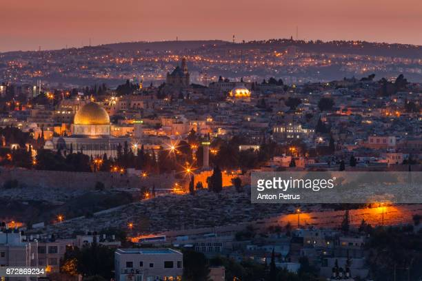 evening view to jerusalem old city. israel - jerusalem imagens e fotografias de stock