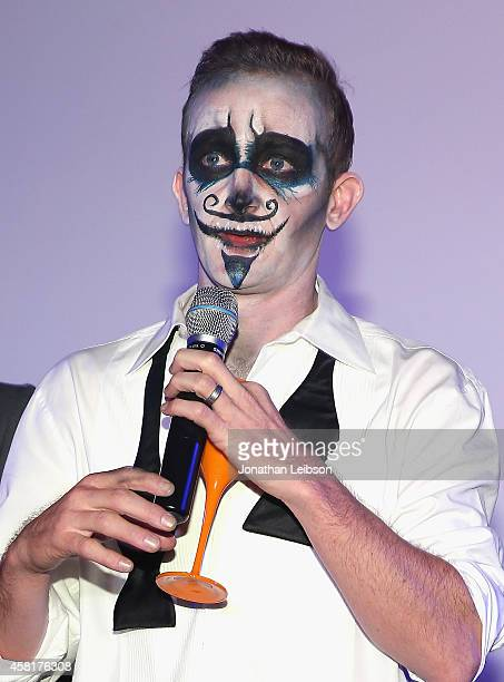 Event cochair Eric Ladin speaks onstage during The UNICEF Dia de los Muertos Black White Masquerade Ball at Hollywood Forever Cemetery benefitting...