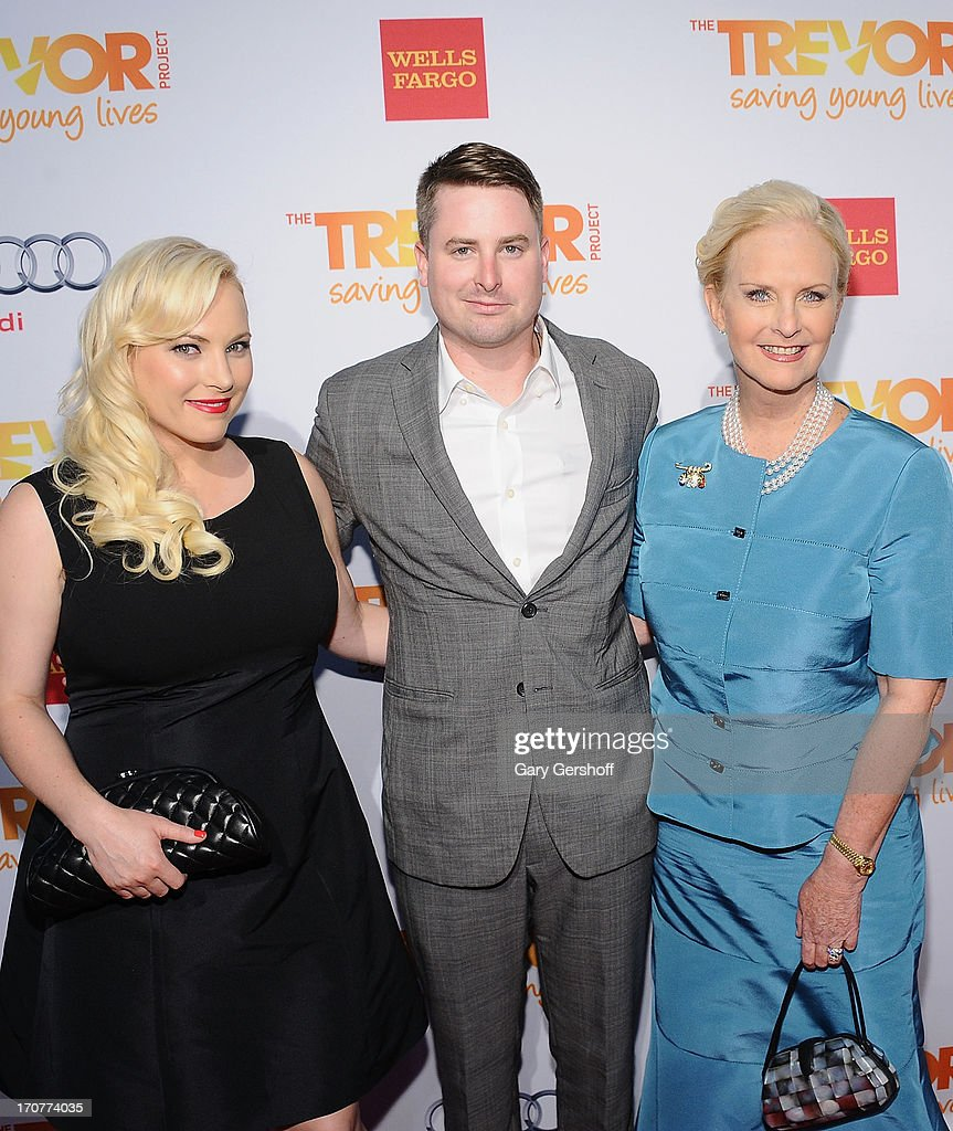 What Size Is Meghan Mccain: Event Honoree Cindy McCain And Children Meghan McCain And