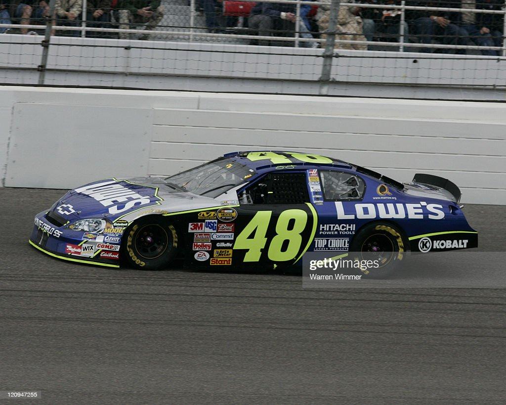 NASCAR - Nextel Cup - UAW-Daimler Chrysler 400 - March 12, 2006 : News Photo