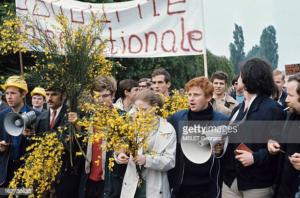 Demonstrations Les évènements de mai 68 à Paris en extérieur Daniel COHNBENDIT alias 'Dany le rouge' 23 ans étudiant en sociologie allemand et leader...