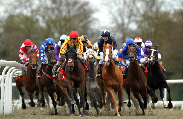 Horse racing easter family fun day kempton park racecourse horse racing easter family fun day kempton park racecourse negle Gallery