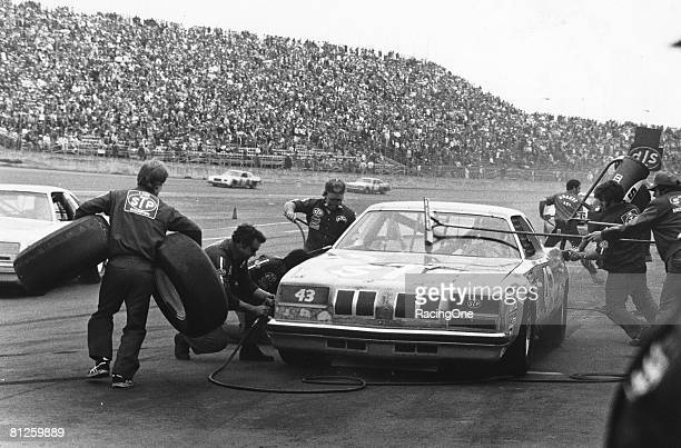 Eventual winner of the Daytona 500 in 1979 Richard Petty gets service from his crew during the race on February 18 1979 at the Daytona International...