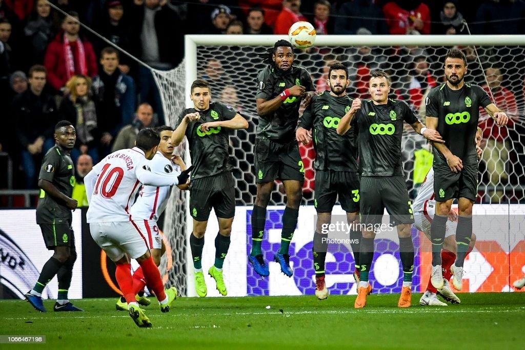 Standard v FC Sevilla - Europa League : Fotografía de noticias