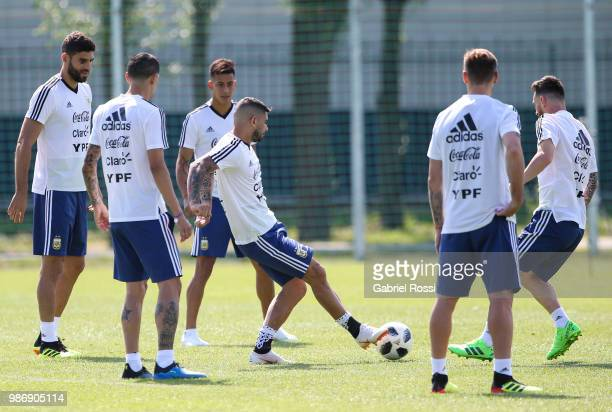 Ever Banega of Argentina and teammates warm up during a training session at Stadium of Syroyezhkin sports school on June 28 2018 in Bronnitsy Russia