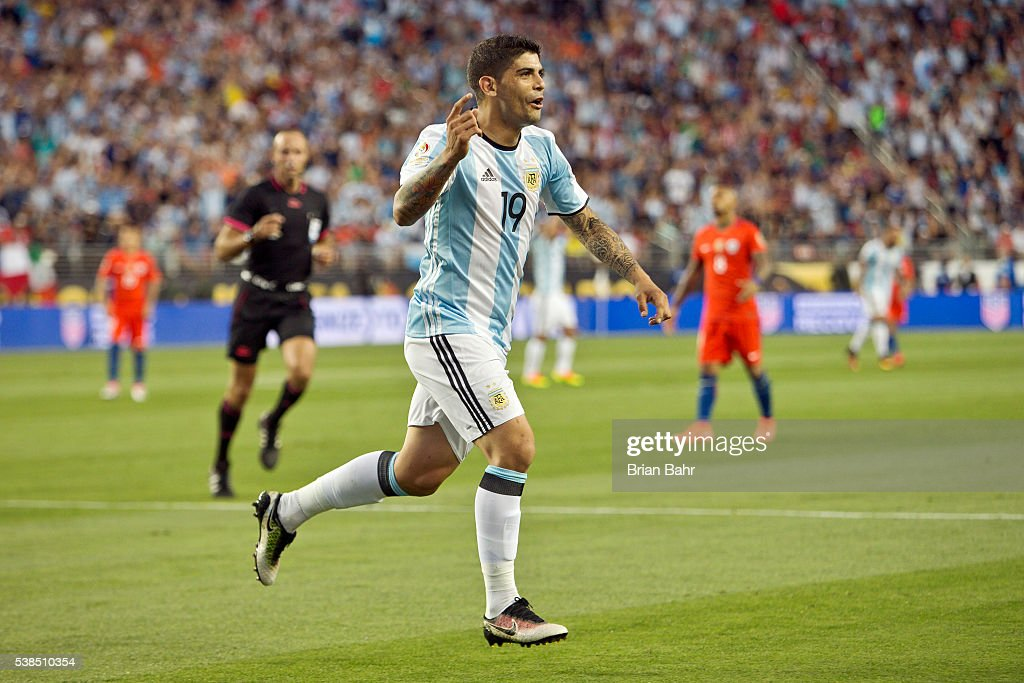 Ever Banega of Argentina celebrates after scoring the second goal of his team during a group D match between Argentina and Chile at Levi's Stadium as part of Copa America Centenario US 2016 on June 06, 2016 in Santa Clara, California, US.