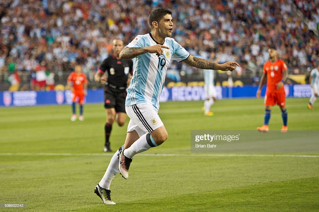 Ever Banega of Argentina celebrates after scoring the second goal against Chile in the second half during a group D match between Argentina and Chile at Levi's Stadium as part of Copa America Centenario US 2016 on June 06, 2016 in Santa Clara, California, US.