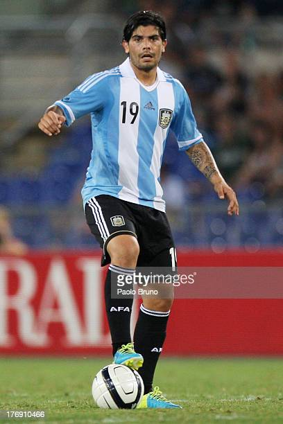 Ever Banega of Argentina in action during the international friendly match between Italy v Argentina at Stadio Olimpico on August 14 2013 in Rome...