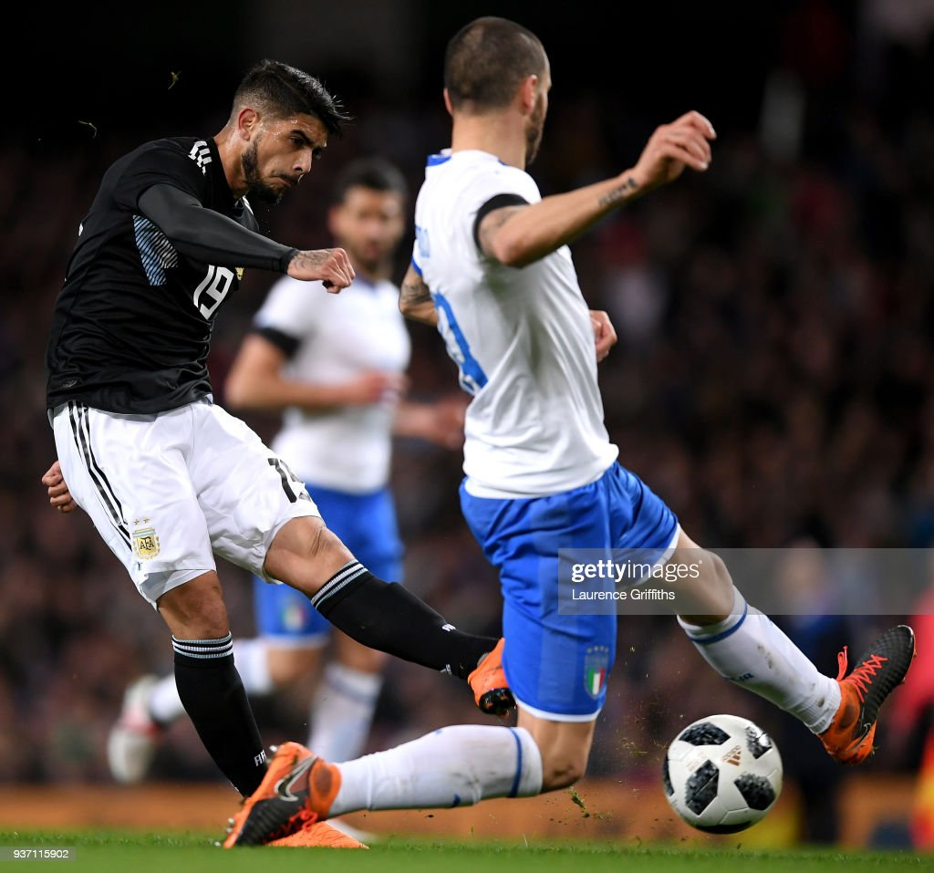 Ever Banega of Argentina scores his sides first goal during the International friendly match between Italy and Argentina at Etihad Stadium on March 23, 2018 in Manchester, England.