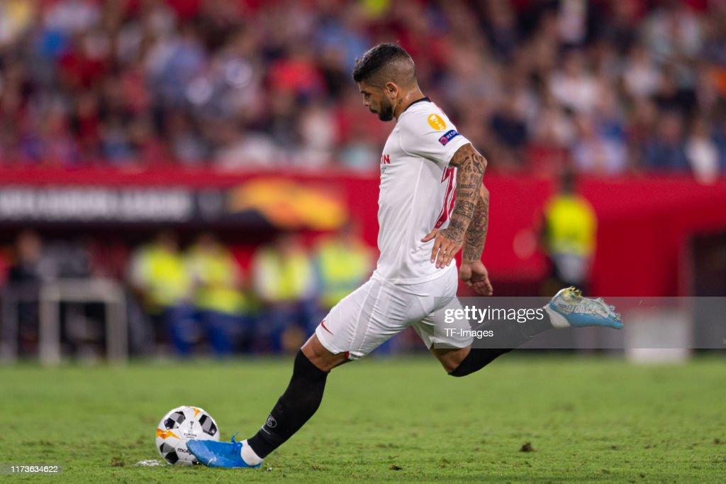 Sevilla FC v APOEL Nikosia: Group A - UEFA Europa League : Fotografía de noticias
