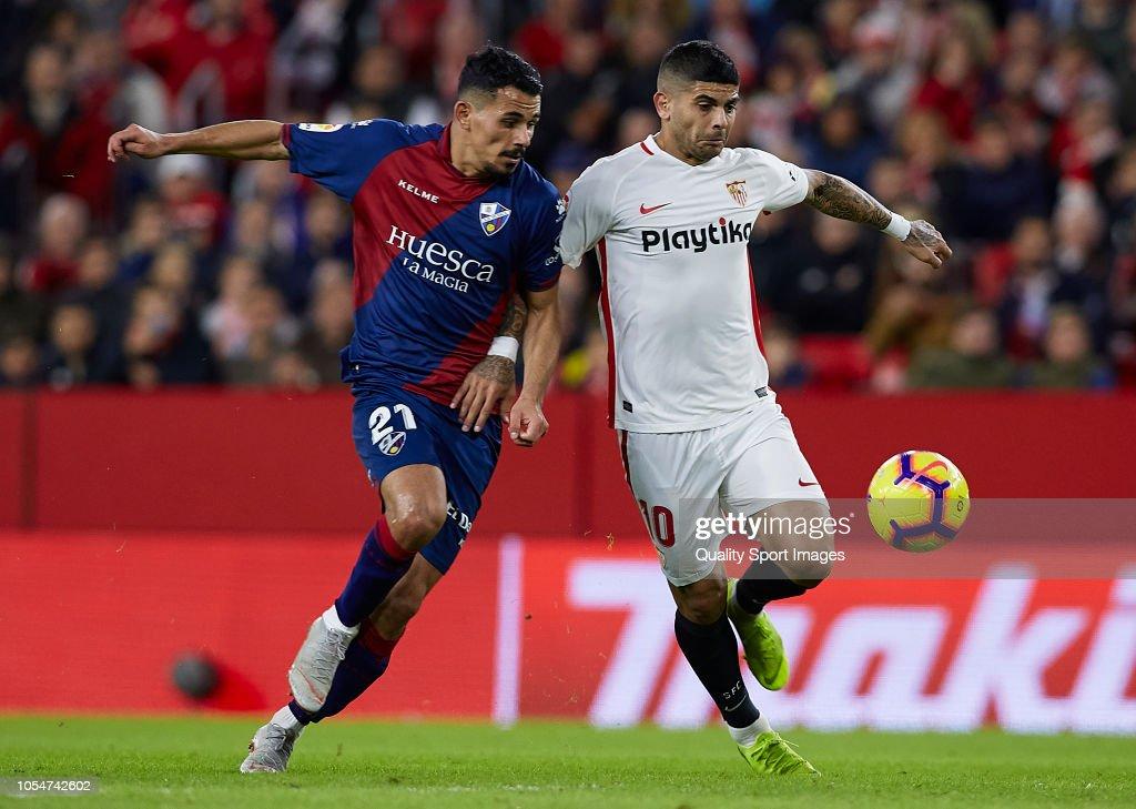 Sevilla FC v SD Huesca - La Liga : Fotografía de noticias