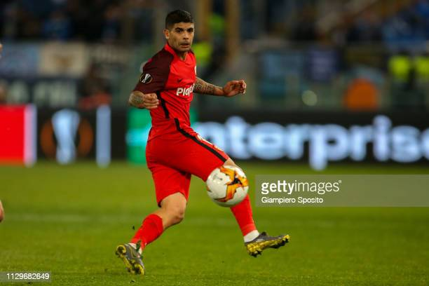Ever Banega of Sevilla controls the ball during the UEFA Europa League Round of 32 First Leg match between SS Lazio and Sevilla at Stadio Olimpico on...