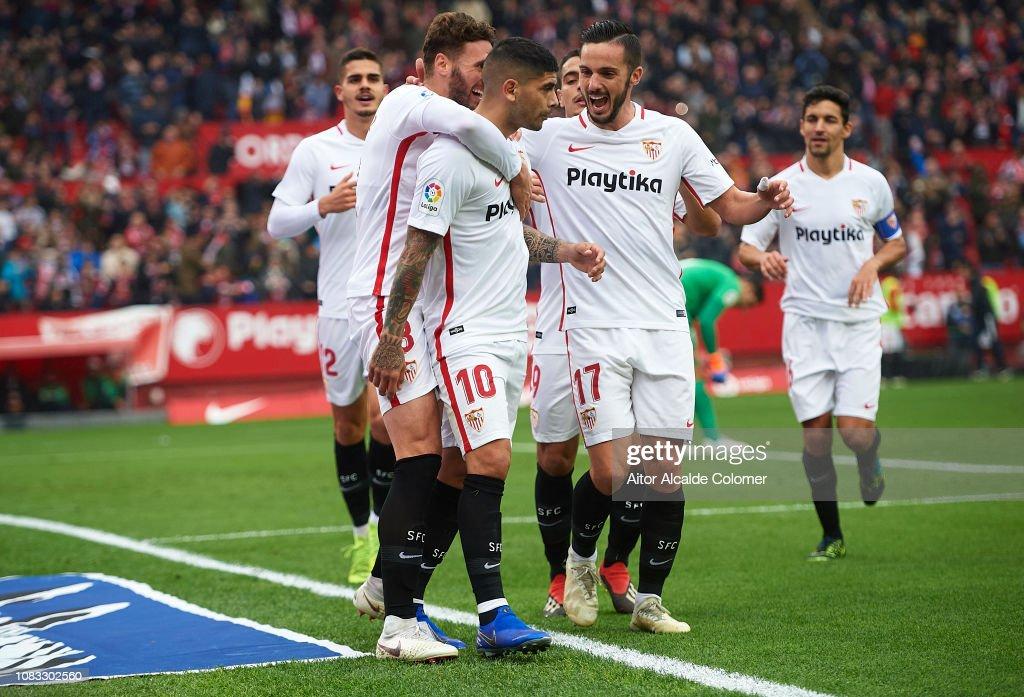 Sevilla FC v Girona FC - La Liga : Fotografía de noticias