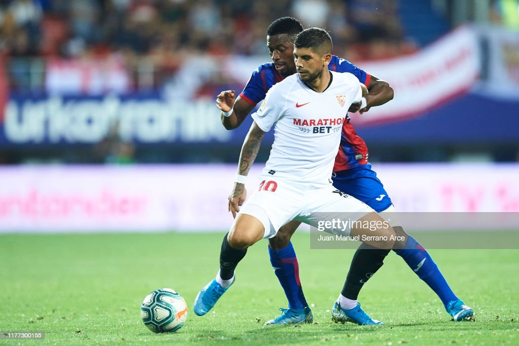 SD Eibar SAD v Sevilla FC  - La Liga : Fotografía de noticias