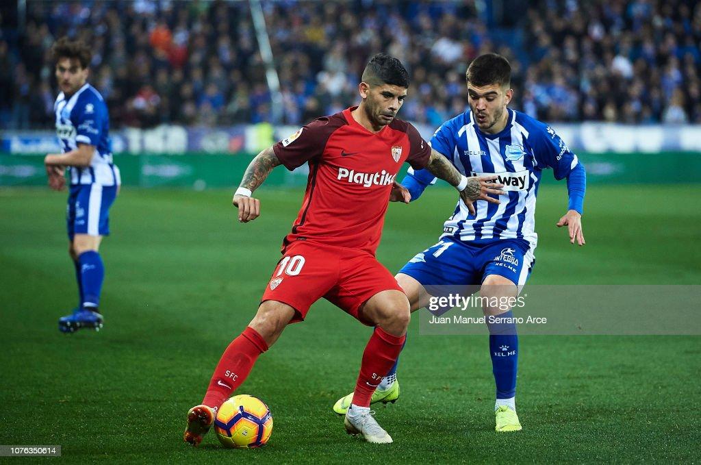 Deportivo Alaves v Sevilla FC - La Liga : Fotografía de noticias