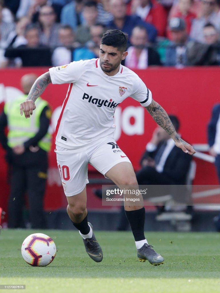 Sevilla v FC Barcelona - La Liga Santander : Fotografía de noticias