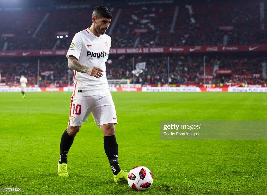 Sevilla vs Villanovense - Copa del Rey - Fourth Round : Fotografía de noticias