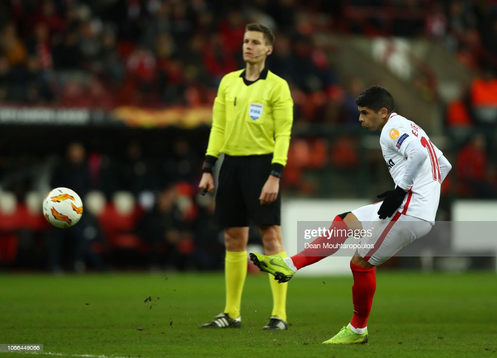 Royal Standard de Liege v Sevilla - UEFA Europa League - Group J : Fotografía de noticias