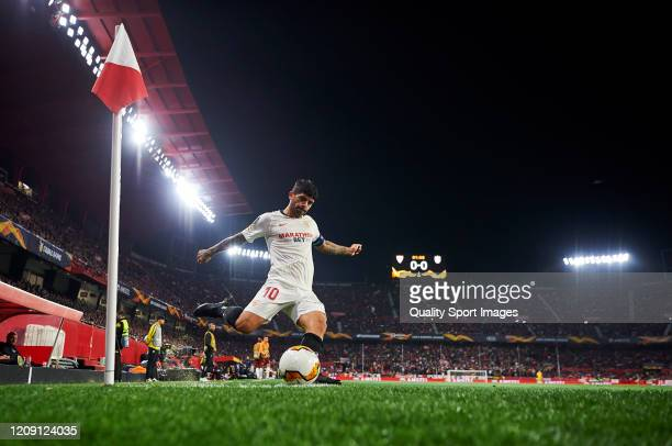 Ever Maximiliano Banega of Sevilla FC in action during the UEFA Europa League round of 32 second leg match between Sevilla FC and CFR Cluj at Estadio...