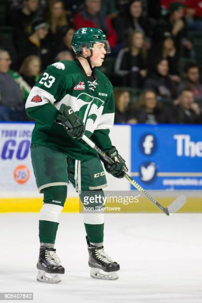 Everett Silvertips defenseman Jake Christiansen surveys the ice during a game between the Everett Silvertips and the Prince George Cougars on...