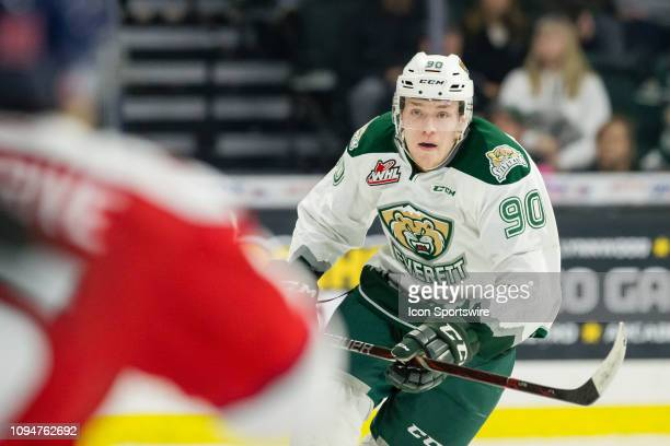 Everett Silvertips forward Robbie Holmes skates toward Lethbridge Hurricanes forward Jordy Bellerive in the third period of a game between the...
