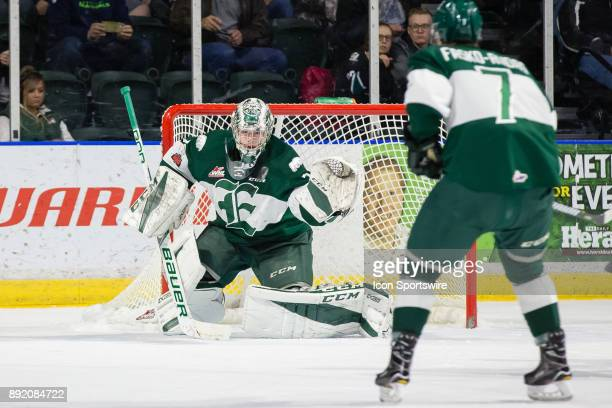 Everett Silvertips goaltender Carter Hart tracks the puck in the first period during a game between the Everett Silvertips and the Spokane Chiefs on...