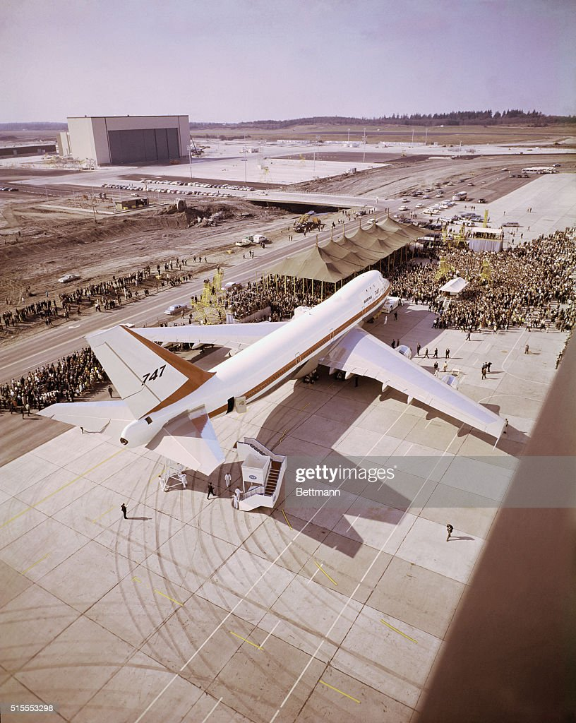 everett-washington-the-worlds-largest-jetliner-the-boeing-747-is-out-picture-id515553298