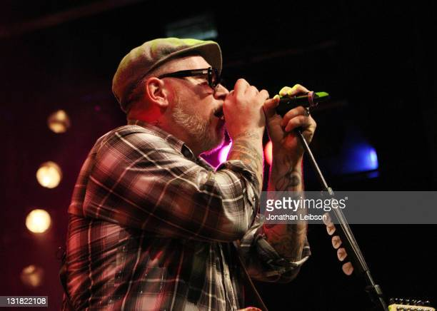 Everlast performs at House of Blues Sunset Strip on March 18 2011 in West Hollywood California