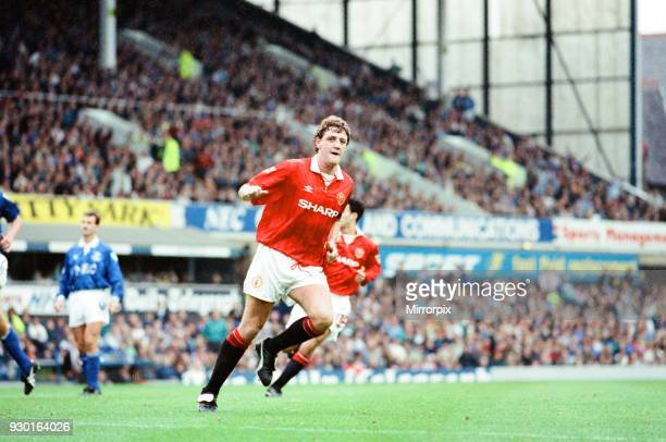 Everton 0-2 Manchester United, league match at Goodison Park, Saturday 12th September 1992. Steve Bruce, scoring goal from penalty kick.