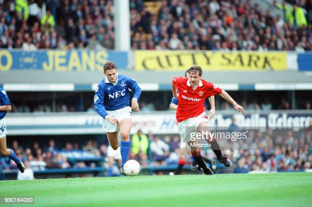 Everton 02 Manchester United league match at Goodison Park Saturday 12th September 1992 Andrei Kanchelskis