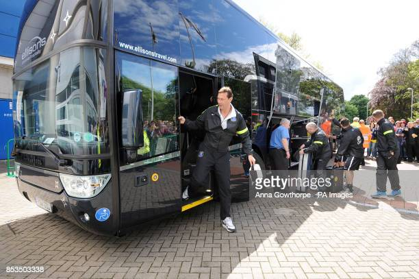 Everton coach Duncan Ferguson alights from the team bus as they arrive at the KC Stadium
