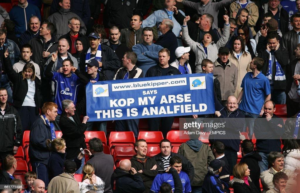 Soccer - FA Barclays Premiership - Liverpool v Everton - Anfield : News Photo