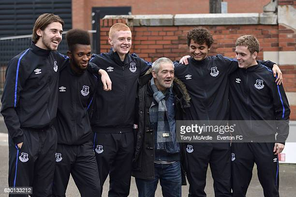 Everton FC U23 squad pose as they serve Christmas dinner at The Whitechapel Centre for homeless people Liverpool on December 2 2016 in Liverpool...