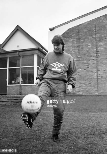 Everton football player Ian Snodin pictured during a training session at Bellefield 31st October 1991
