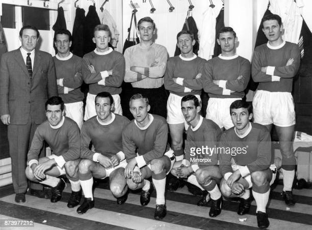 Everton football team players with manager Harry Catterick 13th September 1963