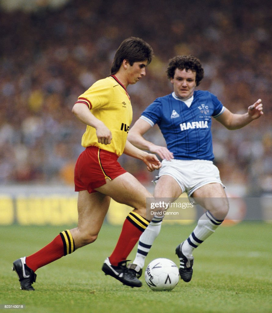 Everton full back John Bailey (r) challenges Nigel Callaghan of Watford during the 1984 FA Cup Final at Wembley Stadium on May 19, 1984 in London, England.