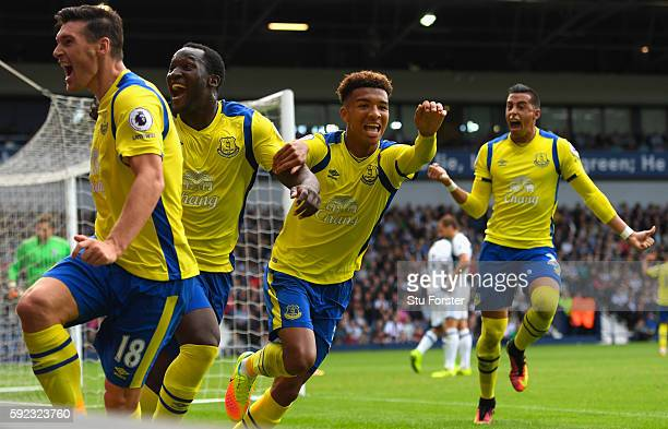 Everton goalscorer Gareth Barry and team mates celebrate the winning Everton goal during the Premier League match between West Bromwich Albion and...