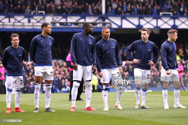 Everton line up ahead of the Premier League match between Everton FC and Arsenal FC at Goodison Park on April 07 2019 in Liverpool United Kingdom